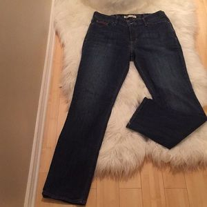 Levi's Perfect Fit 525 Straight Leg jeans